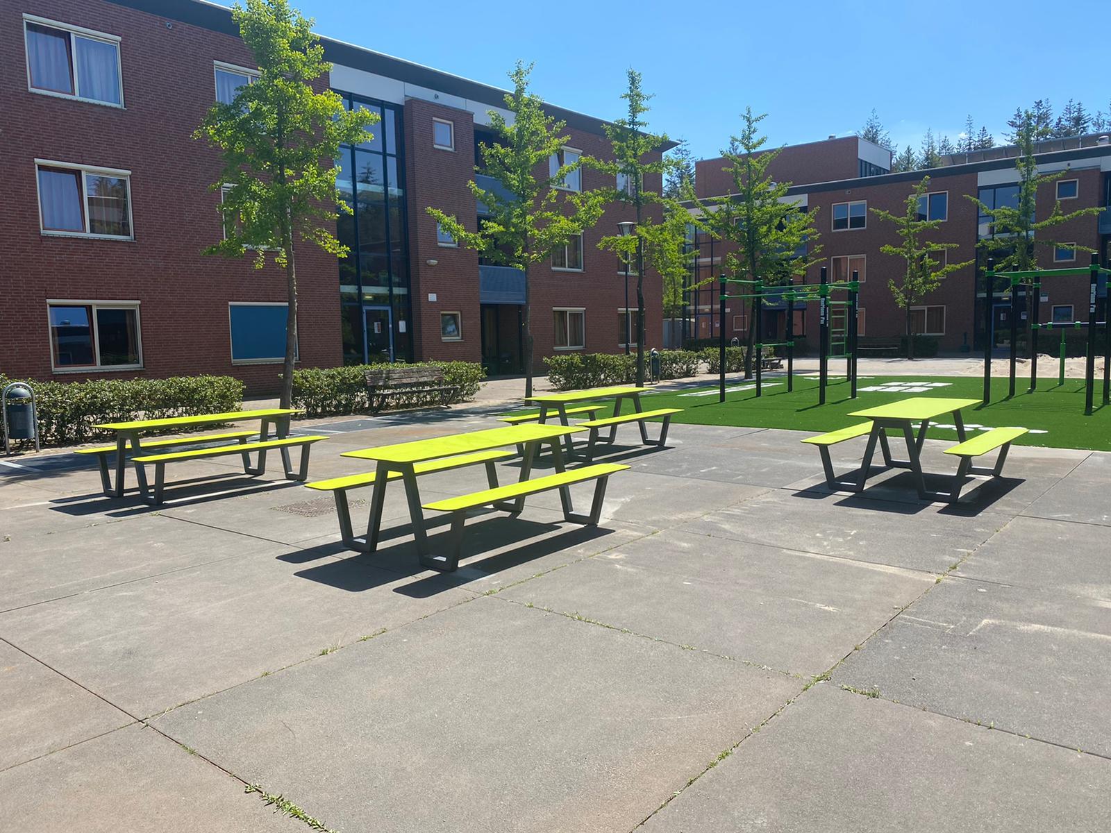 Picnic HPL picknicktafel voor schoolpleinen, kantines en aula's