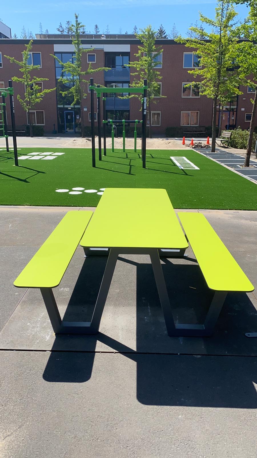 Picnic HPL picknicktafel voor speelpleinen en sportverenigingen