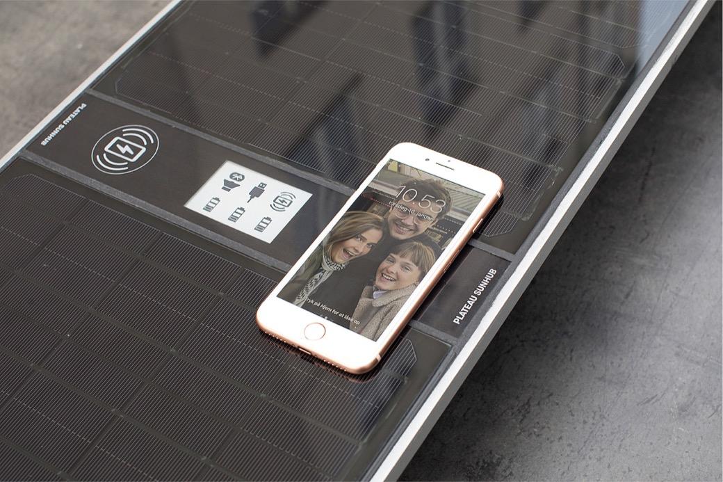 Eenvoudig je mobiele telefoon opladen met 100% zonne-energie