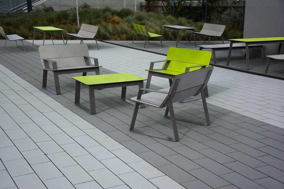 Superfly stoel geschikt voor iedere openbare buitenruimte