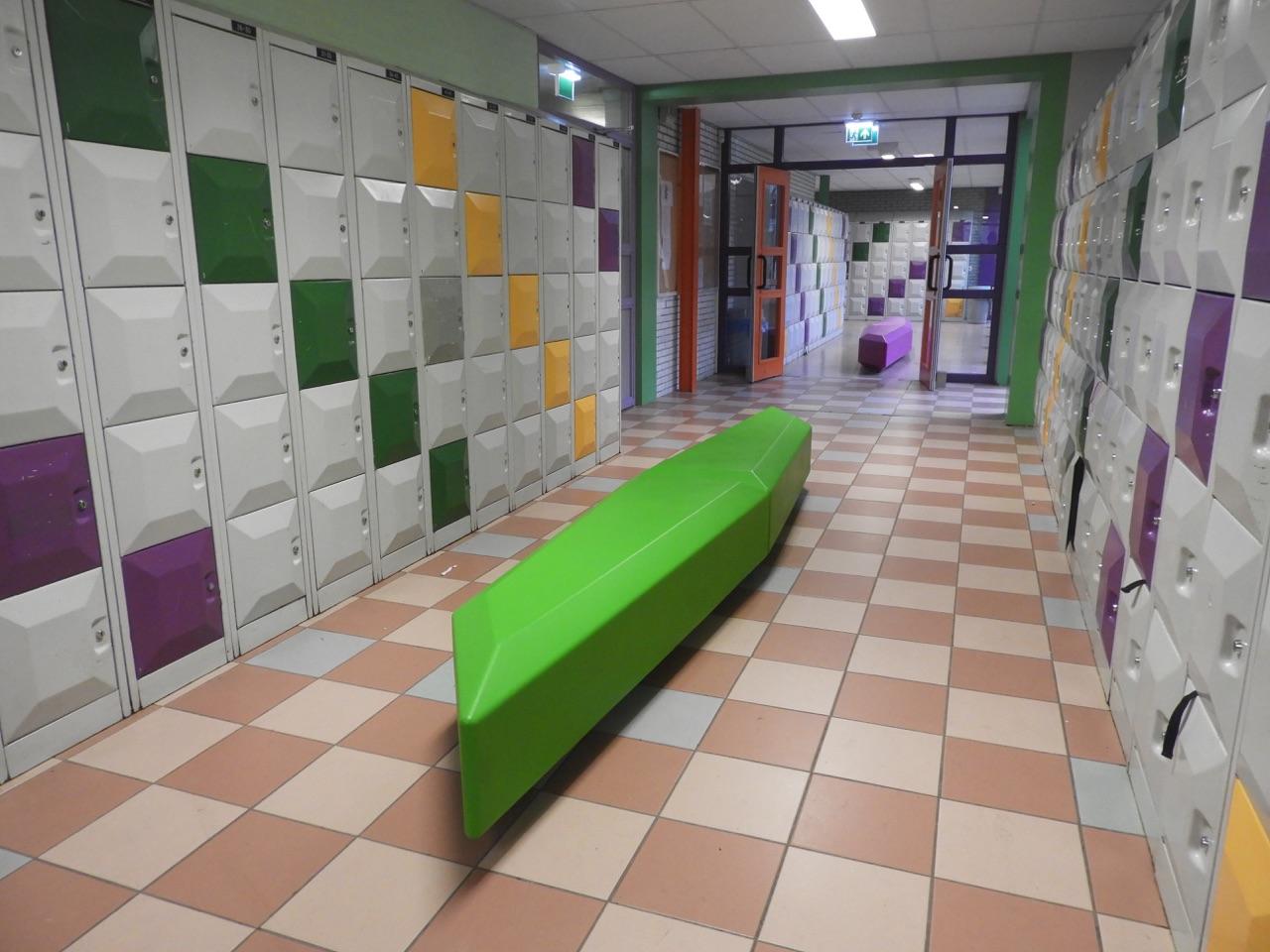 Coffin Lounge bank voor binnenruimtes op scholen