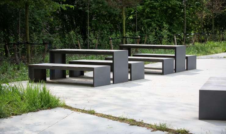 Passepartout Wood tafel geschikt voor openbare binnen- en buitenruimtes