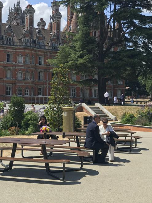 Plateau-L picknicktafel - om te lunchen, werken en te rusten