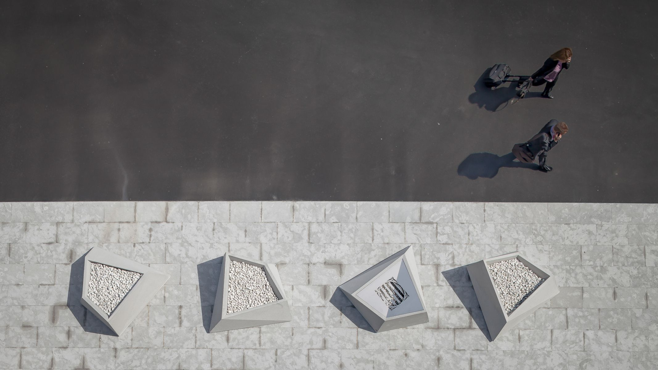 Roc zitelement als vrijstaande sculpturen