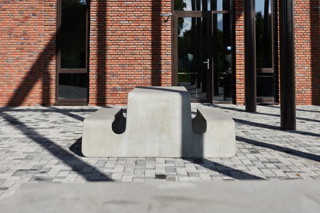Tour picknicktafel van beton is de ideale buitentafel