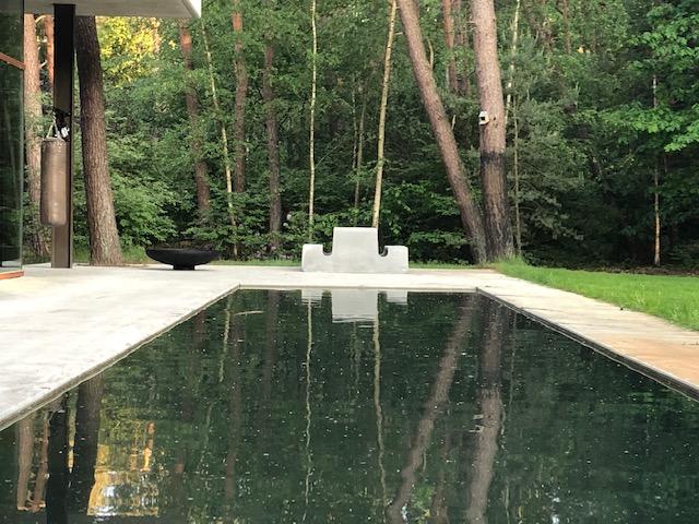 Tour picknicktafel van beton is ideaal buitenmeubilair