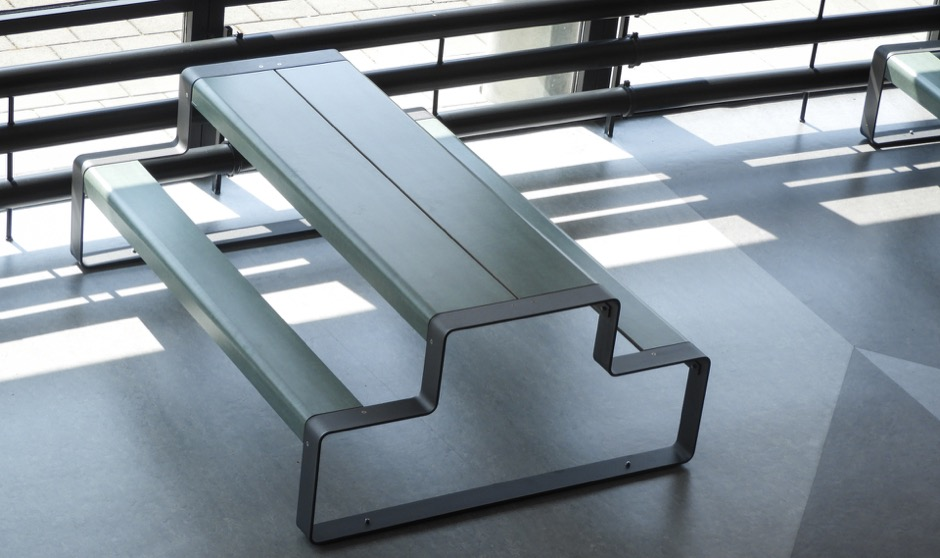 Outline picknicktafel is bijzonder duurzaam en ergonomisch