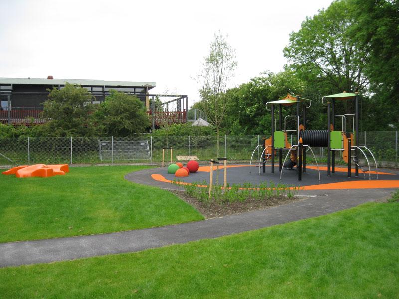 StarFish zitelement en speelelement voor op het schoolplein