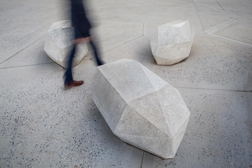 Stone zitelement uitstraling van een modern stedelijk bouwwerk