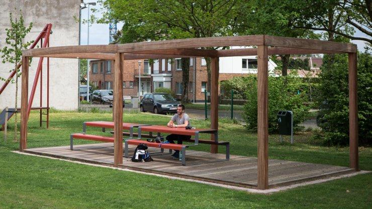 Outline picknicktafel voor speeltuinen en parkjes