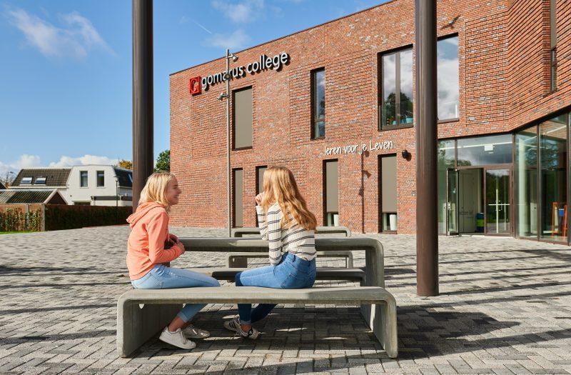 Tour picknicktafel is ideaal buitenmeubilair voor scholen