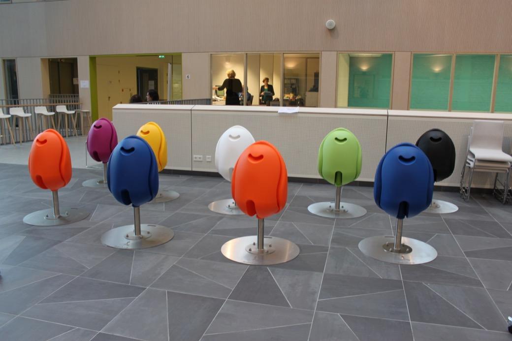 Tulpi stoel beschikbaar in verschillende opvallende kleuren
