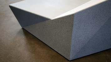 Roc zitelement is verkrijgbaar met of zonder houten zitvlak