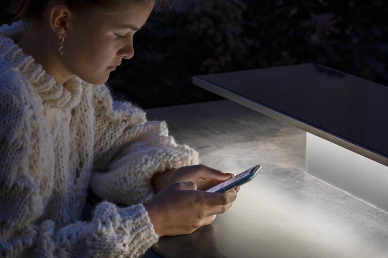 De LED verlichting wordt slim aangestuurd op basis van de geografische ligging