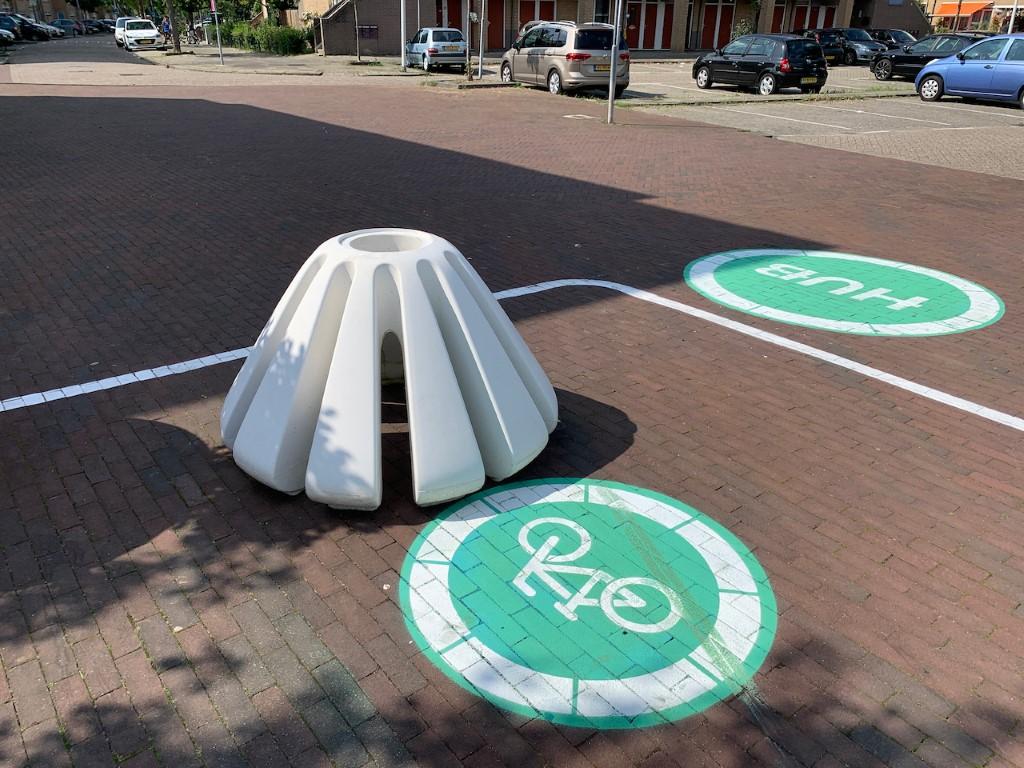Jello fietsenrek van beton
