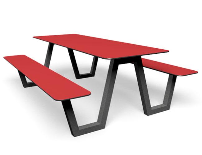 Rode picknicktafel die ook te zien in de voice of Holland