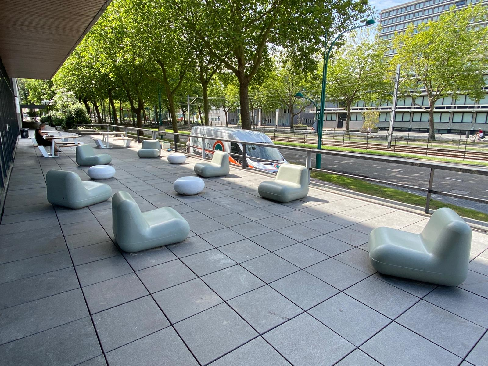 rio zitelementen stoelen en keien betonlook creme wit gerecycled kunststof