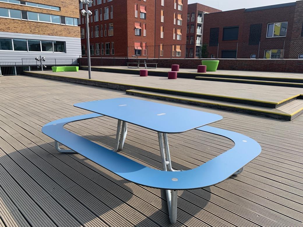 Plateau picknicktafel in blauw - gemaakt van hogedruklaminaat