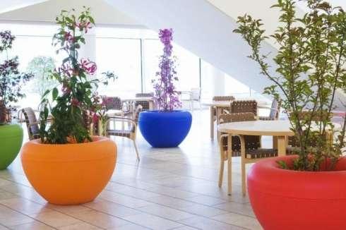Scoop plantenbakken voor winkelcentrum Koningshoek in Maassluis