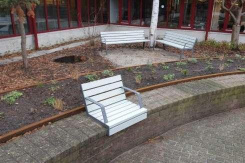 Universiteit Leiden kiest Hop Hop zitelementen voor binnenplaats