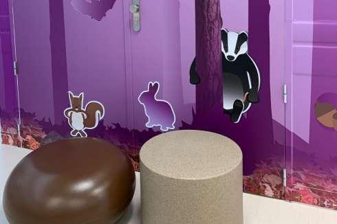 Speels en duurzaam meubilair voor het Wilhelmina Ziekenhuis